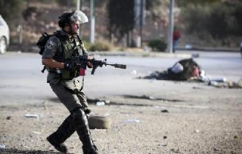 إصابة فلسطيني بجراح عقب اعتداء قوات الاحتلال عليه