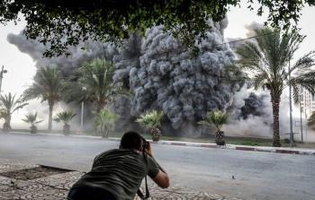 ملادينوف في غزة ودعوات ليرى جثامين الشهداء الأطفال