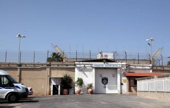 الأسرى الفلسطينيون في عسقلان يبدؤون إضراباً عن الطعام