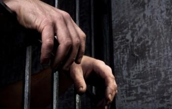 معتقلون من أبناء مخيّم اليرموك شوهدو في معتقلات النظام