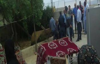 قوات الاحتلال تُحاصر قرية كوبر وتعتقل شقيق مُنفّذ العملية