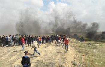 الاحتلال يحتجز جثماني شهيدين من مخيّم النصيرات خلال مسيرات العودة
