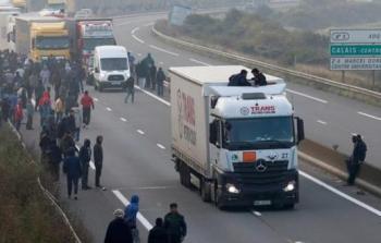 خلال العثور على لاجئين داخل الشاحنة