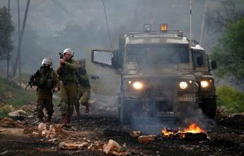 قوات الاحتلال الصهيوني خلال قمعها للمسيرة الاسبوعية في الضفة المحتلة