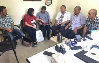 خلال لقاء وفد من الصليب الأحمر الدولي مع اللجان الشعبية لمنظمة التحرير