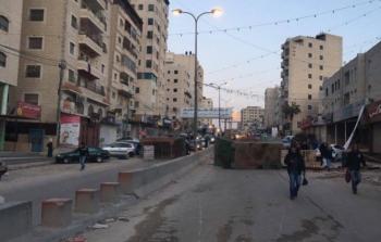 مخيم قلنديا أثناء اغلاق احد الشوارع