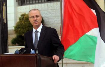 حكومة التوافق تُقدّم مُساعدات للمخيّمات في الضفة المحتلة ولا ذِكر لغزة والشتات
