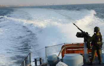 بحرية الاحتلال تهاجم وتعتقل 6 صيادين شمال القطاع