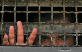 سبعة آلاف أسيرٍ في سجون الاحتلال.. واعتقال 590 فلسطينياً في كانون الثاني الماضي