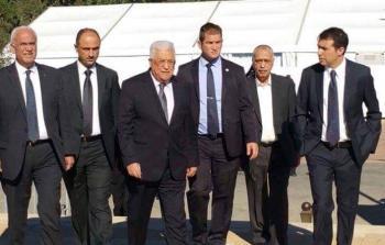 وفد السلطة الفلسطينية المشارك في جنازة بيرس بالقدس المحتلة، برئاسة عباس