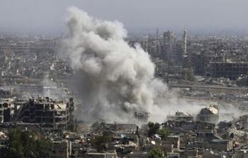 من القصف الذي تشهده مدينة حرستا