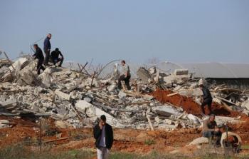الاحتلال يُسلّم أوامر هدم جديدة لفلسطينيين في قلنسوة المحتلة