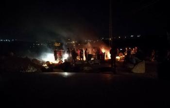 مواجهات في قرية كوبر وقوات الاحتلال تُعيد إغلاق مدخلها للمرة الثانية