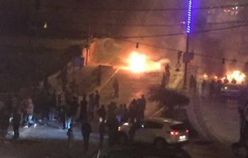المواجهات التي اندلعت في مخيم الأمعري مساء السبت