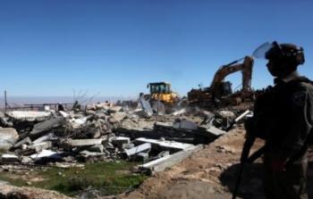 أرشيفية-جرافات الاحتلال تهدم منزلاً في بيت حنينا