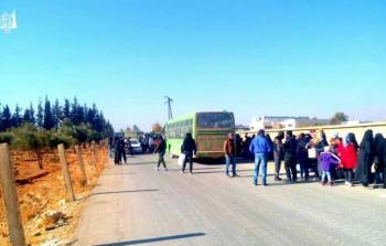 صورة لخروج الدفعة الأولى من خان الشيح قرب معمل نستله
