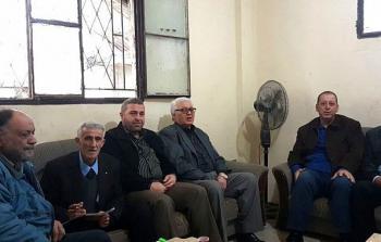 الصورة خلال اجتماع اللجان الشعبية في مخيم عين الحلوة