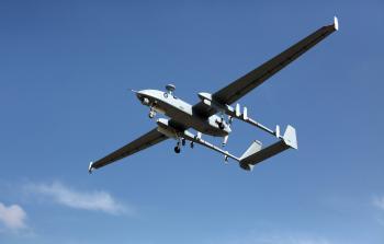 طائرة استطلاع لجيش الاحتلال تسقط شرقي مخيّم المغازي