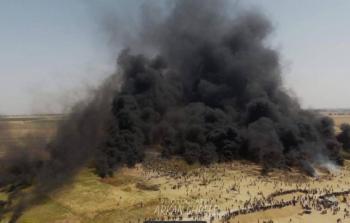 من مسيرات العودة السلمية قرب السياج الفاصل لقطاع غزة
