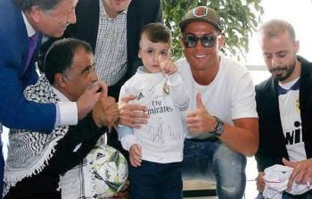 الطفل أحمد الدوابشة في لقاء مع كريستيانو رونالدو