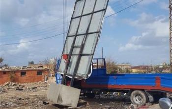 منازل اللاجئين الفلسطينيين في تجمع جل البحر مهددة بالسقوط جراء العواصف والرياح