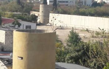توقف بناء الجدار حول مخيم عين الحلوة مؤقتا واحتجاجات شعبية تطالب بالتوقف نهائيا