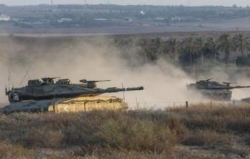 قصف مدفعي لمكب النفايات في جحر الديك وإصابات برصاص الاحتلال