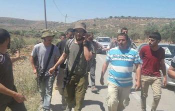 أمن السلطة يُسلّم مستوطنين مسلحين لجيش الاحتلال
