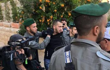 لحظة اعتقال أحد المحتّجين