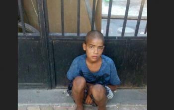 طفل من مخيّم اليرموك دفعه الضرب في
