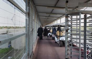 سلطات الاحتلال تُغلق حاجز بيت حانون رداً على مسيرات العودة الكُبرى