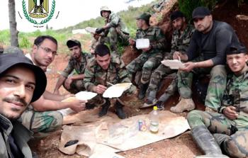 الزح بالشبّان اللاجئين في معركة ريف ادلب