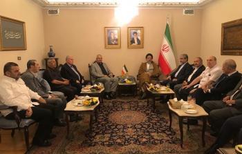 في مقر السفارة الايراية بدمشق