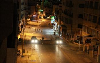 من اقتحام قوات الاحتلال لشارع عمّان بالمنطقة الشرقيّة في نابلس المحتلة فجر الأربعاء