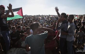 عشرات الإصابات في مسيرات العودة شرقي قطاع غزة ومسيرة كفر قدوم في الضفة المحتلة