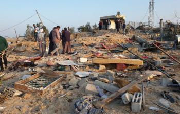 المنزل الذي دمره الاحتلال فجر اليوم في دير البلح ما أدى لاستشهاد (8) أفراد من العائلة