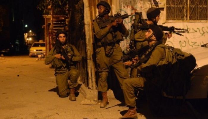 مواجهات واعتقالات في مخيّم الدهيشة واقتحامات بالضفة المحتلة