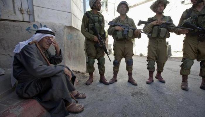 اقتحامات واعتقالات بالضفة المحتلة تطال (19) فلسطينياً