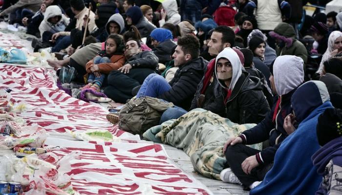 اللاجئون في مخيمات اليونان يتعرضون لانتهاكات حقوقية