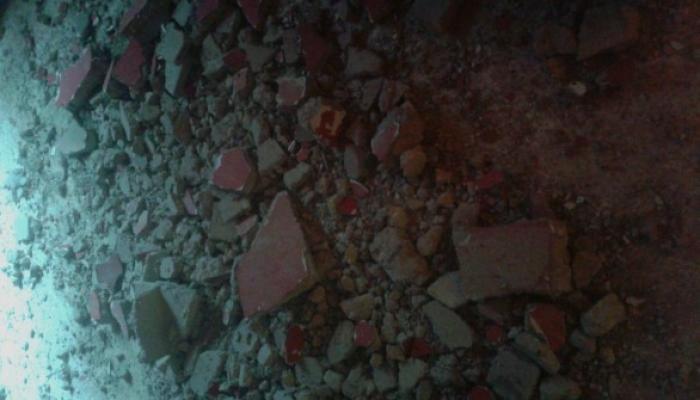 انهيار سقف منزل لاجئ فلسطيني في مخيم عين الحلوة