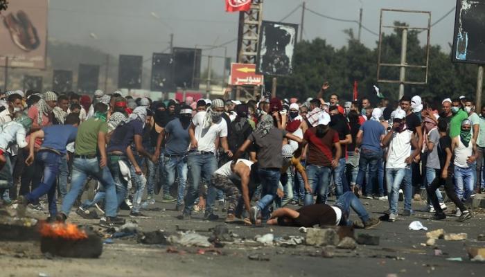 شهيد و(70) إصابة في مواجهات عنيفة اندلعت في نابلس المحتلة