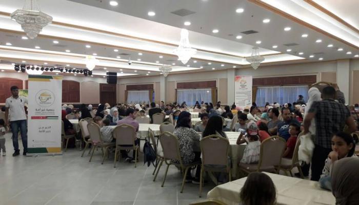 إفطار جماعي لعائلات فلسطينية سورية جنوب اسطنبول