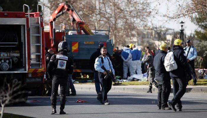 مقتل أربعة جنود صهاينة في عملية فدائية بالقدس المحتلة واستشهاد المنفّذ