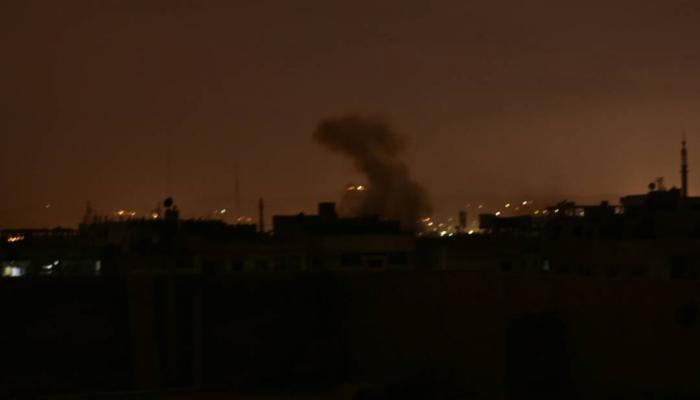 الدخان المتصاعد جراء القصف