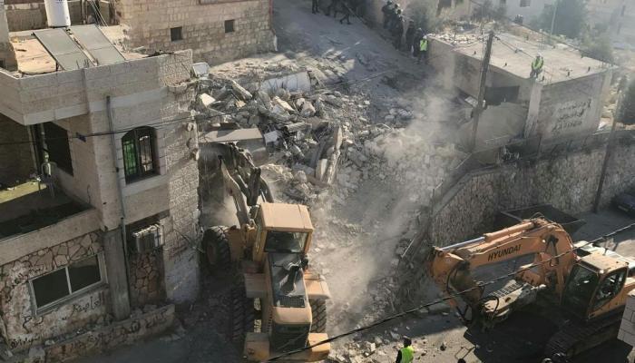 فلسطين المحتلة- عملية الهدم في قرية العيساوية شرقي القدس المحتلة الثلاثاء 15 آب