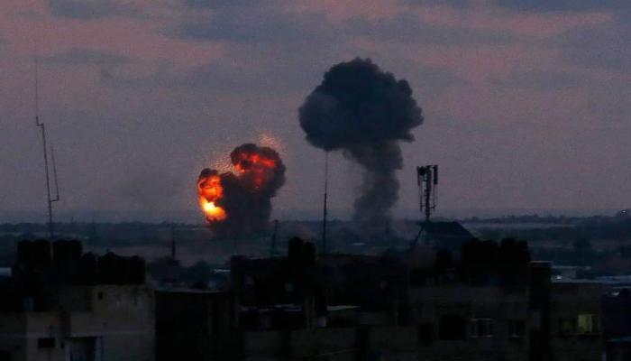 فلسطين المحتلة - من القصف الجوي على مناطق في قطاع غزة فجر اليوم