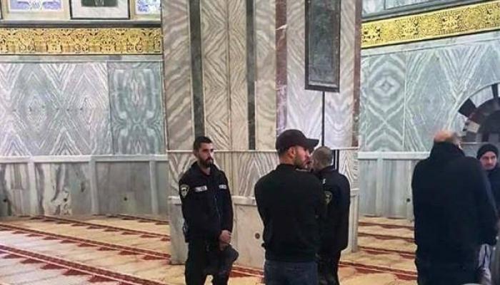 من اقتحام عناصر شرطة الاحتلال لمسجد قُبّة الصخرة