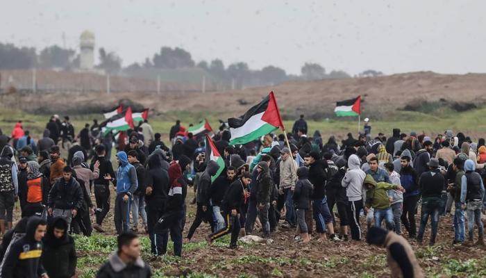 """الاحتلال يقصف موقعاً للمقاومة في غزة بعد جمعة """"لن نُساوم على حقّنا في العيش بكرامة"""""""