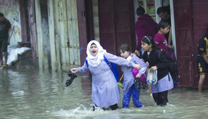 الأمطار حين تجتاح مُخيّمات قطاع غزة.. كارثة سنويّة وانعدام حلول