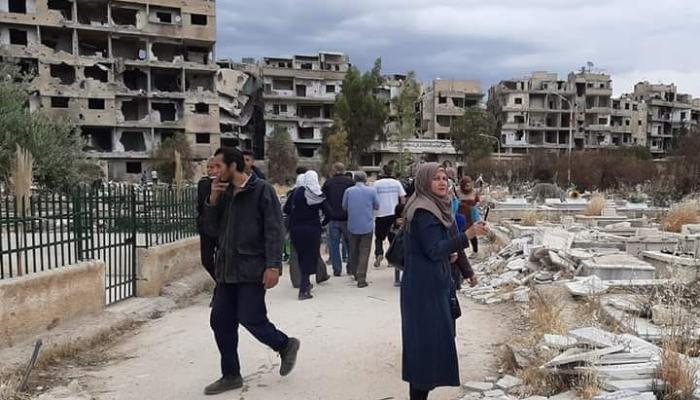 من زيارة مقبرة الشهداء في مخيم اليرموك